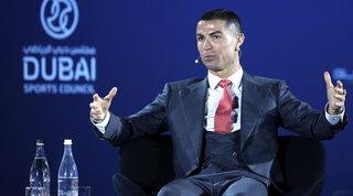 Ronaldo e Lewa battono Messi: CR7 miglior giocatore del secolo, Robert dell'anno