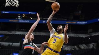 Nba: Lakers ok, Phoenix super. Atlanta (senza Gallo) si rimette in marcia