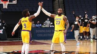 Lakers ok a fatica, gli Spurs battono i Clippers. Sorpresa Chicago