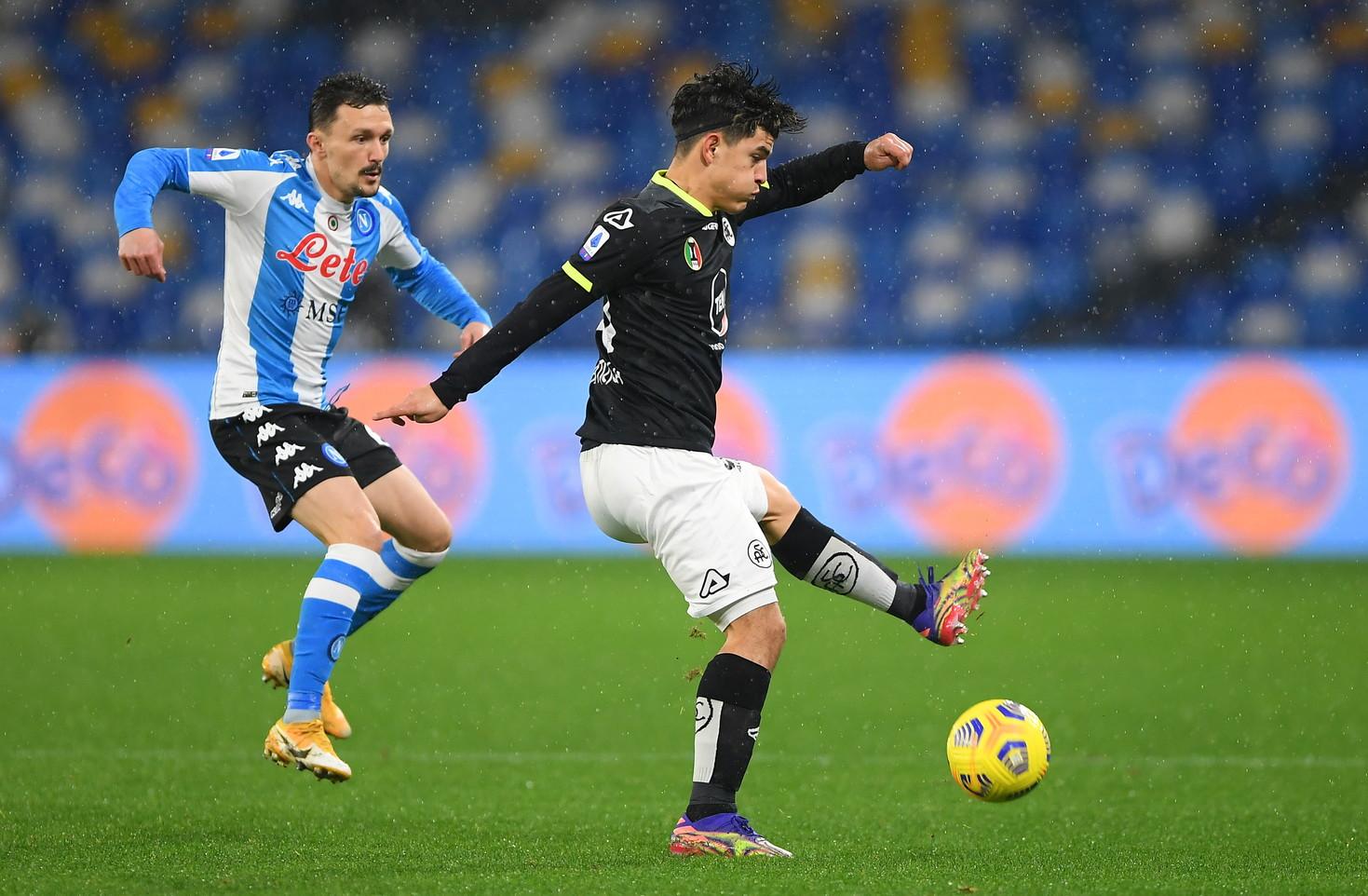 Al &quot;Maradona&quot; partita sotto la pioggia con tante occasioni e vittoria a sorpresa dello Spezia in rimonta sul Napoli. (foto Getty Images e LaPresse)<br /><br />