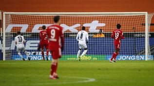 Bundes: Bayern ribaltato 3-2 dal Monchengladbach, show di Hofmann