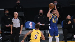 Curry stende i Lakers, ai Nets il big match contro Milwaukee