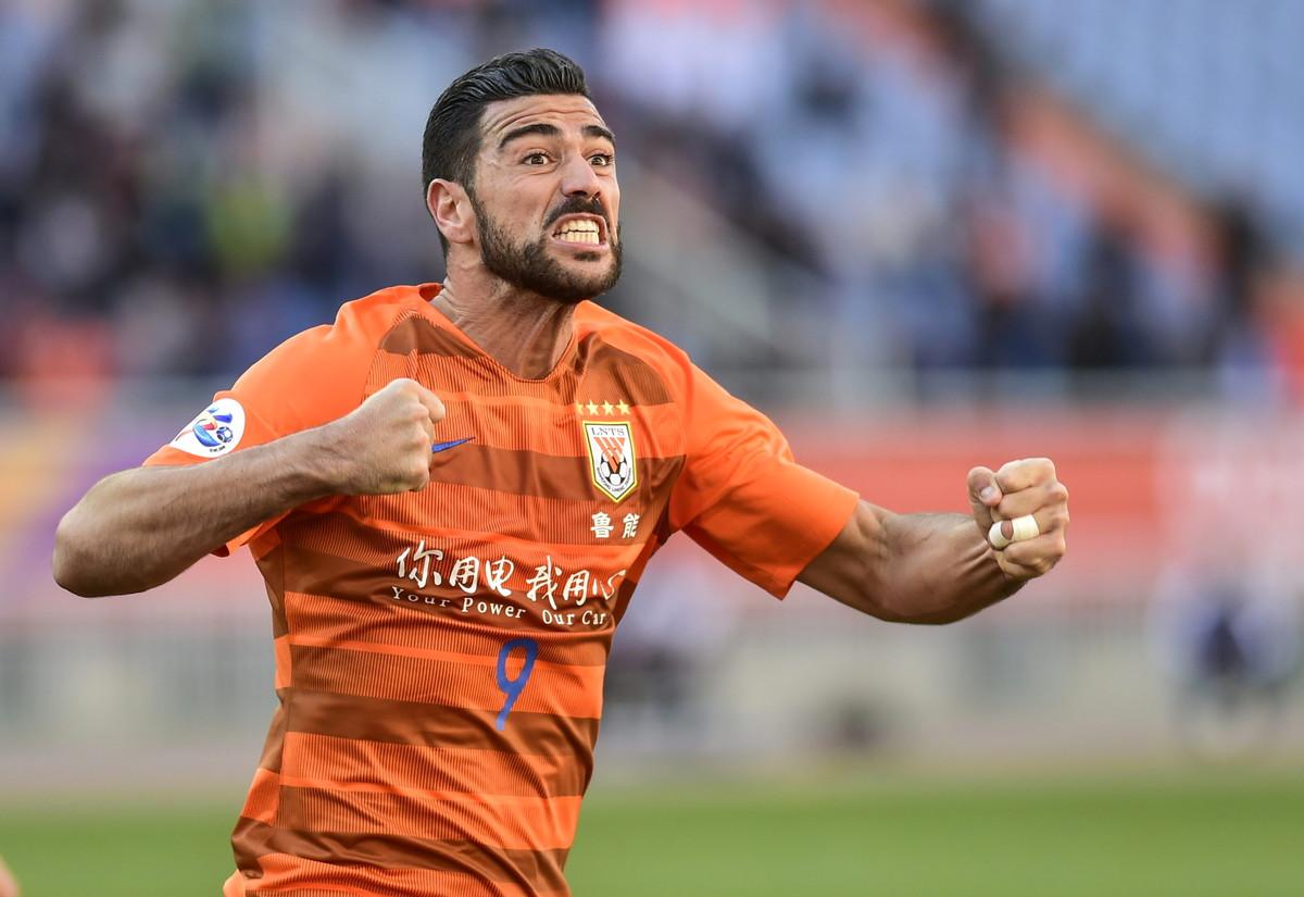Graziano Pellè: attaccante, 35 anni
