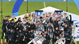 """Agnelli: """"Dieci anni di fila con un trofeo, non male"""". Sono 18 dal 2010"""