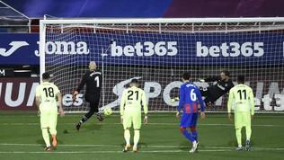 MarkoDmitrovic spiazza Oblak ed entra nella storia della Liga