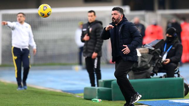 Napoli, furia AdL: adesso rischia anche Gattuso | E dal passato riemerge Benitez...