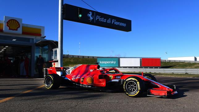 Leclerc in azione a Fiorano: primi giri di pista... aspettando Sainz