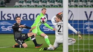 Wolfsburg terzo da solo dopo il 3-0 al Friburgo, sfida salvezza al Colonia