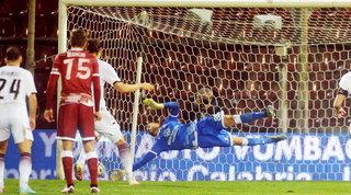 La Salernitana rischia, sbaglia un rigore e non va oltre lo 0-0 con la Reggina