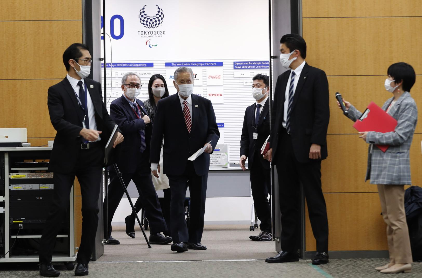 """Tokyo 2020, bufera sul presidente del comitato organizzatore """"Le donne parlano troppo"""""""