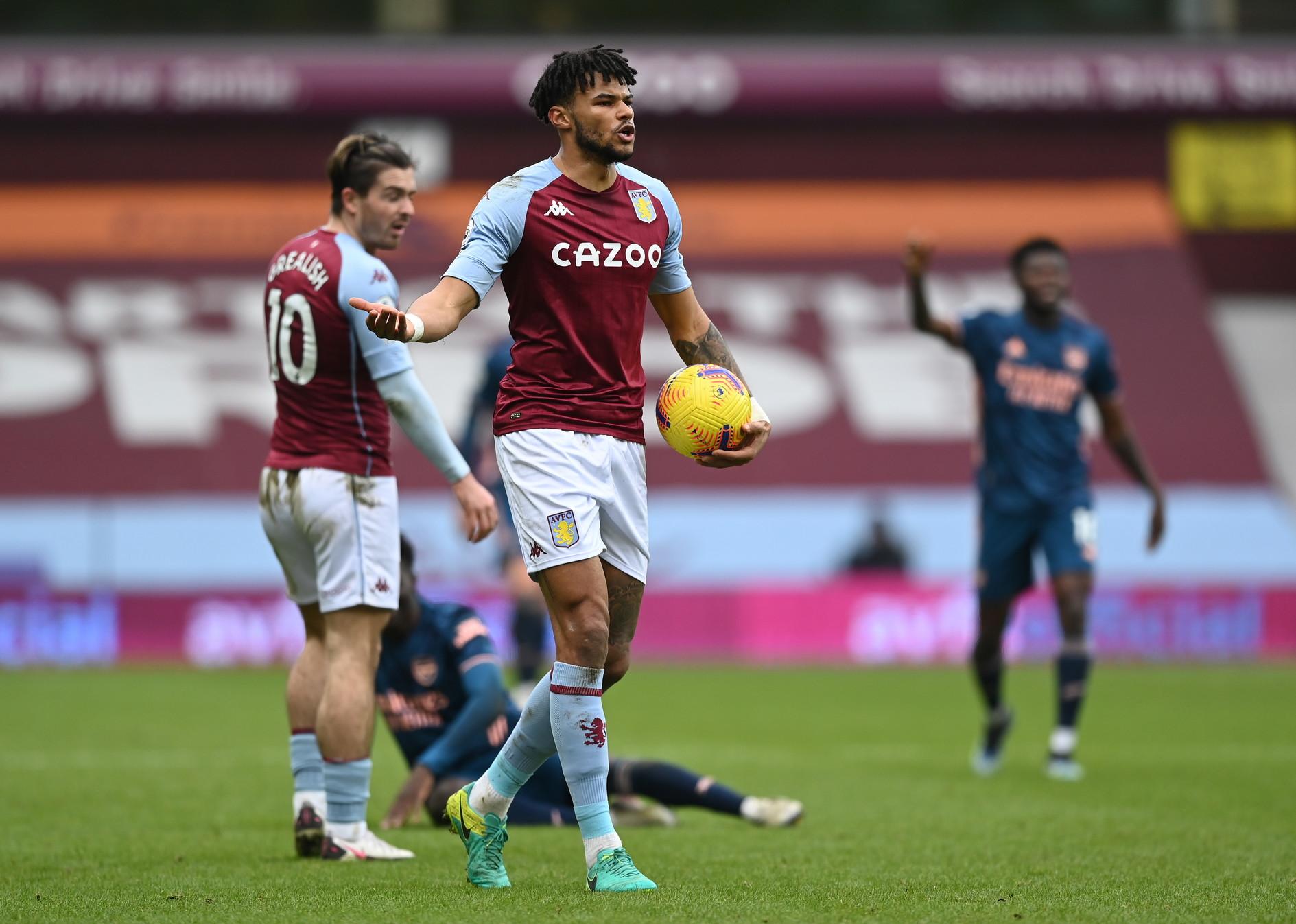 7) Aston Villa: -339 milioni (acquisti per 407 milioni, cessioni per 68 milioni)