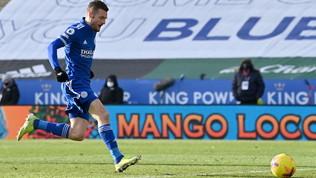 Alisson sbaglia ancora, Vardy stende il Liverpool: è crisi