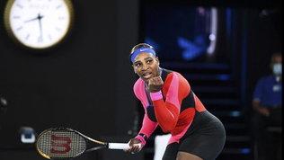 Djokovic batte Zverev e vola in semifinale | Serena Williams è tornata