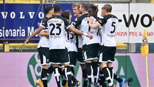 Il Parma scappa e poi si perde, l'Udinese rimonta da 0-2 a 2-2