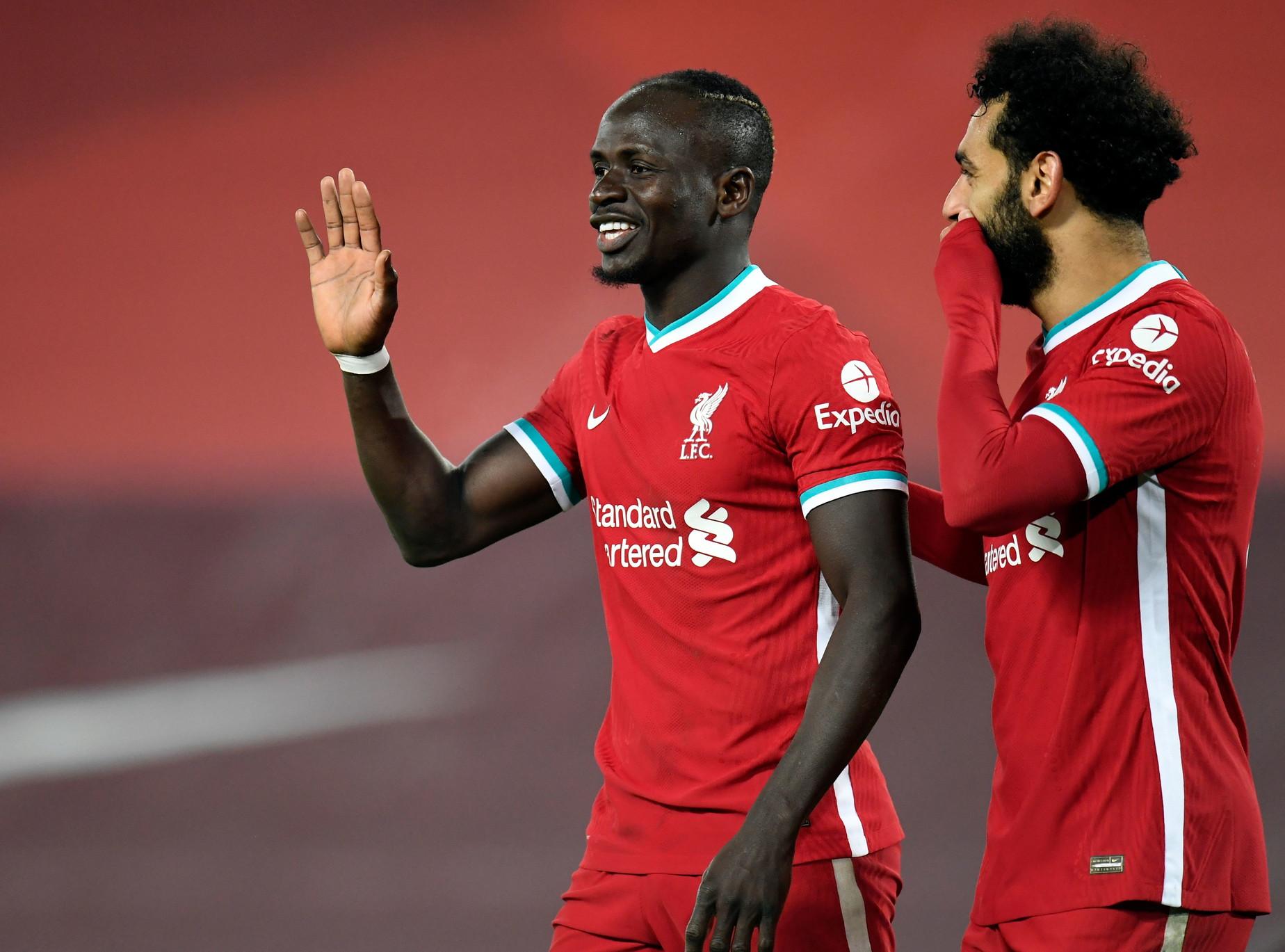 6) Salah-Mané (Liverpool): 24 gol, 17+7