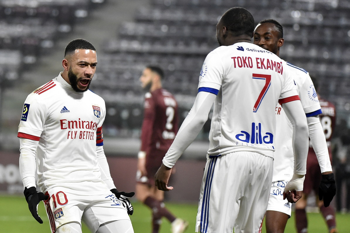 6) Depay-Ekambi (Lione): 24 gol, 13+11