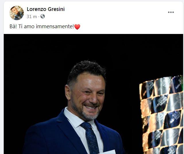 La notizia della morte di Fusto Gresini &egrave; rimbalzata subito sui social, suscitando grande tristezza e commozione. Tra i primi a scrivere su Facebook &egrave; stato il figlio Lorenzo. &quot;B&agrave;! Ti amo immensamente!❤&quot;, ha scritto.&nbsp;<br /><br />