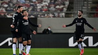 Arsenal agli ottavi in rimonta: avantiAjax, Shakhtar e Villarreal