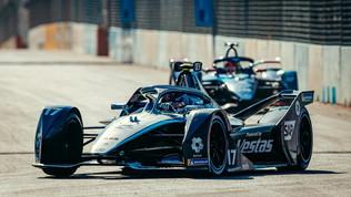 Ancora Mercedes e De Vries davanti a tutti nelle libere 2 in Arabia