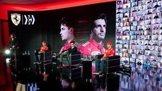 La Ferrari si mette in posa: ecco Leclerc e Sainzin versione 2021