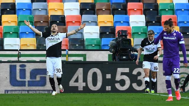Udinese, balzo in classifica: una zuccata di Nestorovski inguaia la Viola