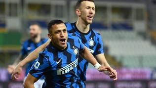 Super Sanchez stende il Parma: l'Inter vola a +6 sul Milan e va in fuga