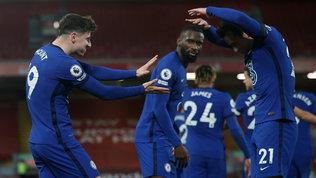 Crisi Liverpool, il Chelsea sbanca Anfield | L'Everton vola, a Mou basta un autogol