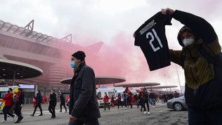 Assembramenti pre-derby di Milano, sanzionati i primi tifosi di Milan e Inter