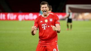 Bundesliga:super Lewandowski rimonta il Dortmund, Schick lancia il Bayer