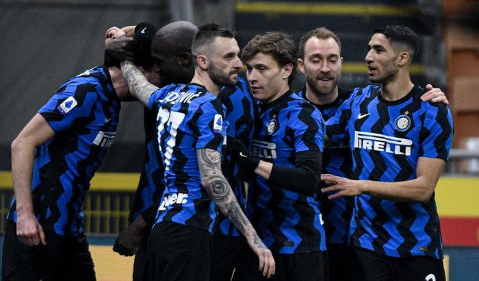 Skriniar stende l'Atalanta, l'Inter resta a + 6 sul Milan