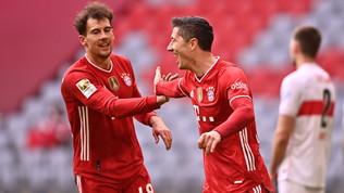 Il Bayernin 10 ne fa 4 allo Stoccarda in 22'! Haaland salva il Dortmund