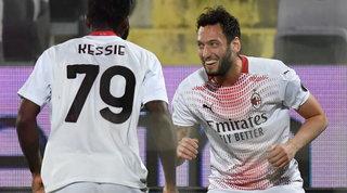 Orgoglio Milan, Fiorentina ribaltata: Pioli allunga sulla Juve