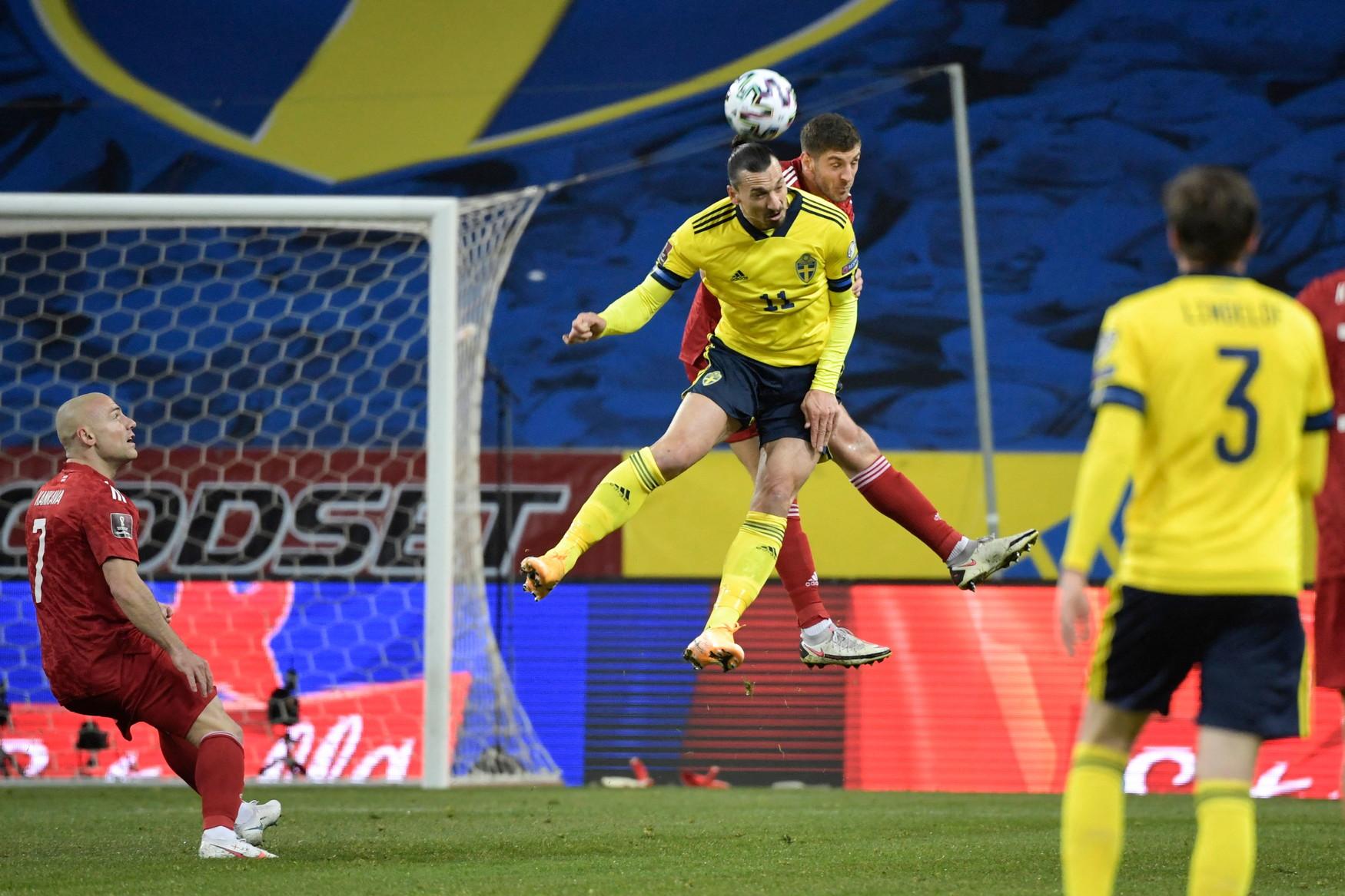 Dopo quattro anni, nove mesi e tre giorni&nbsp;Zlatan Ibrahimovic &egrave; tornato a vestire la maglia della Nazionale svedese in occasione della sfida di qualificazione ai Mondiali 2022 contro la Georgia. L&#39;ultima volta&nbsp;risaliva&nbsp;al 22 giugno 2016, all&#39;Europeo di Francia, nella gara contro il Belgio. E la sua presenza si &egrave; fatta subito sentire: suo l&#39;assist per il gol dell&#39;1-0 firmato Claesson che ha deciso la partita.&nbsp;L&#39;attaccante del Milan ha giocato per 84 minuti, sostituito nel finale da Quaison.<br /><br />