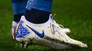 Bonucci, scarpe speciali per le 100 presenze in azzurro