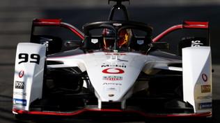 Porsche, futuro elettrico: confermato l'impegno verso la Gen3