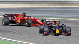 """F1 Bahrain, Verstappen: """"La macchina c'è, serve dimostrarlo"""". Ferrari: """"Siamo competitivi"""""""