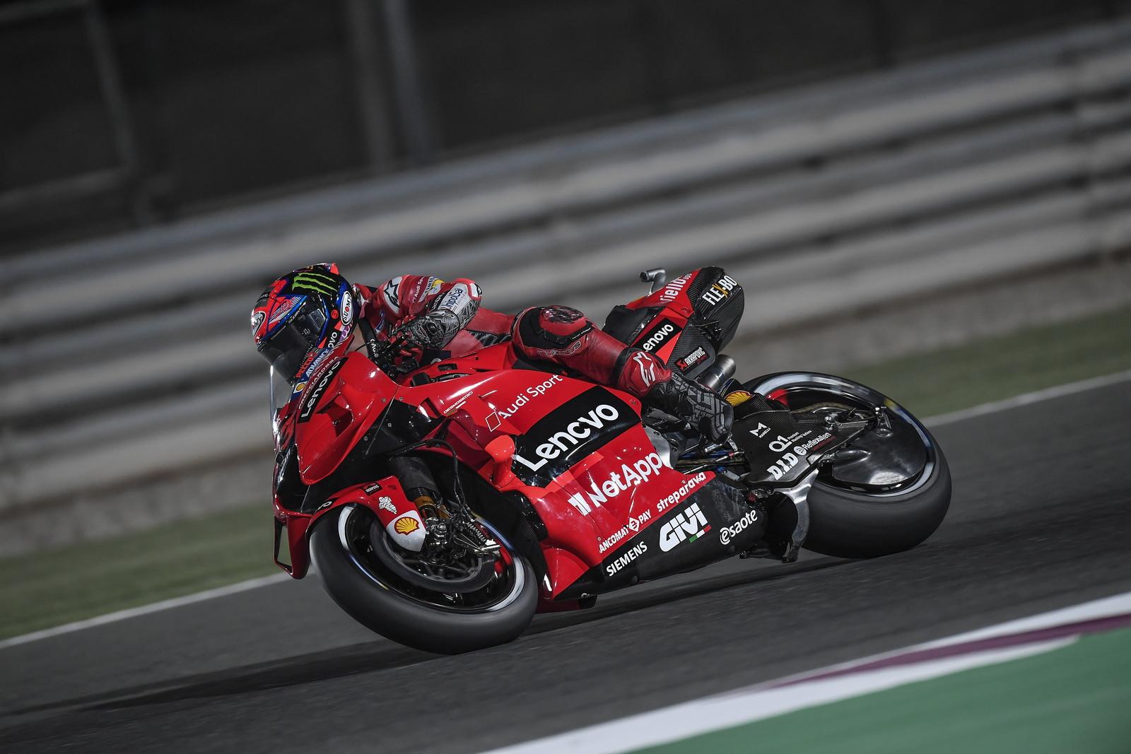 Pole da record per Bagnaia e la Ducati nella prima gara della MotoGP. In Qatar ottimo anche Rossi.<br /><br />
