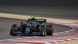 Bandiere gialle ignorate, Vettelsubito penalizzato: ultimo in griglia