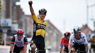 Van Aert profeta in patria: il belga beffa Nizzoloe vince laGent-Wevelgem