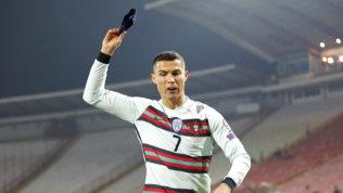 """Il ct Santos difende Ronaldo: """"Gesto di frustrazione, resta il nostro capitano"""""""