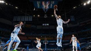 Nba: ai Clippers il big match contro Milwaukee, esordio vincente per Melli con Dallas