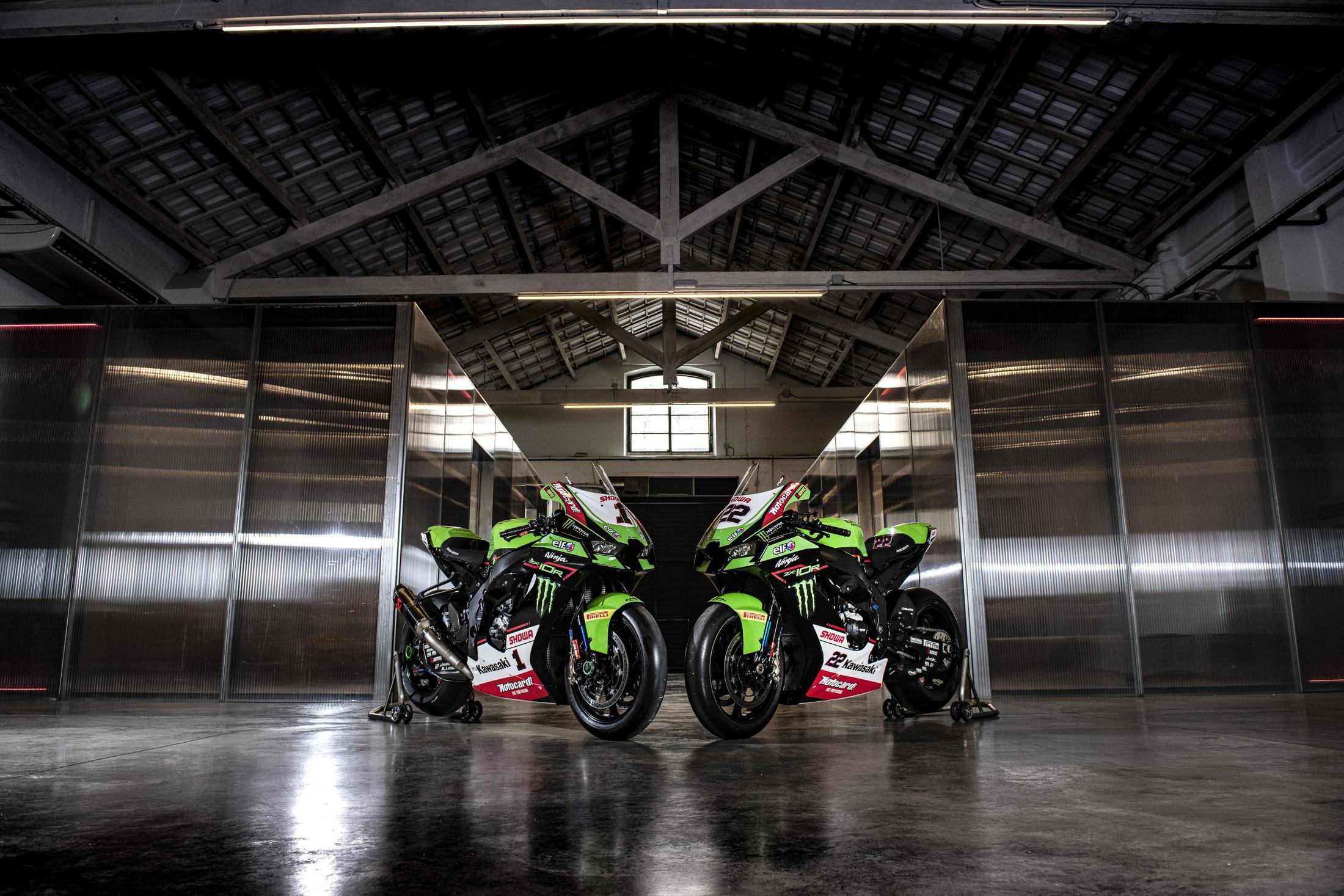 Presentata la squadra del campione del mondo Jonathan Rea, che avr&agrave; ancora Alex Lowes al suo fianco sulla Ninja ZX-10RR per il prossimo campionato Superbike.<br /><br />