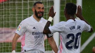 Il Real stende l'Eibar: Barça superato, l'Atletico è a tre punti