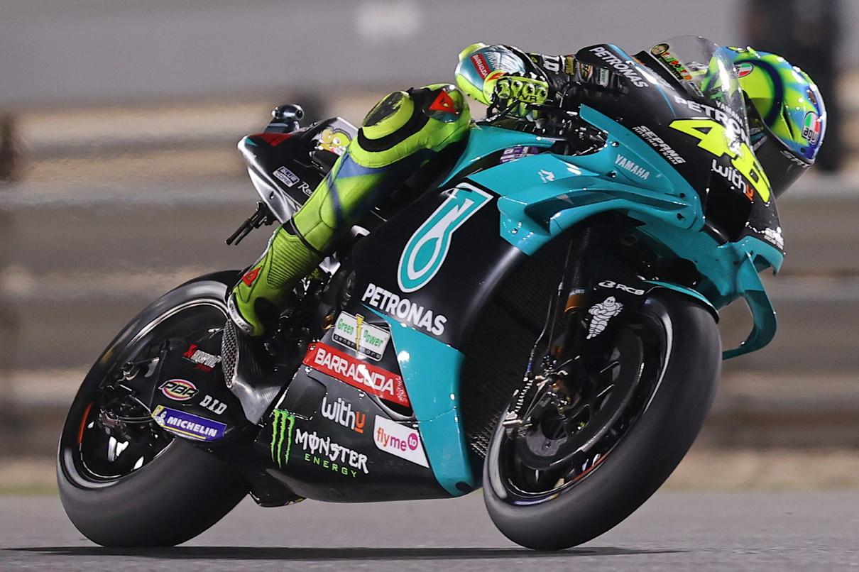Secondo successo in due gare per la Yamaha factory che a Losail, nel GP di Doha, vince con Quartararo davanti alle Ducati Pramac di&nbsp;Zarco e Mart&igrave;n.<br /><br />