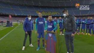 Messi premiato per le 767 presenze in blaugrana