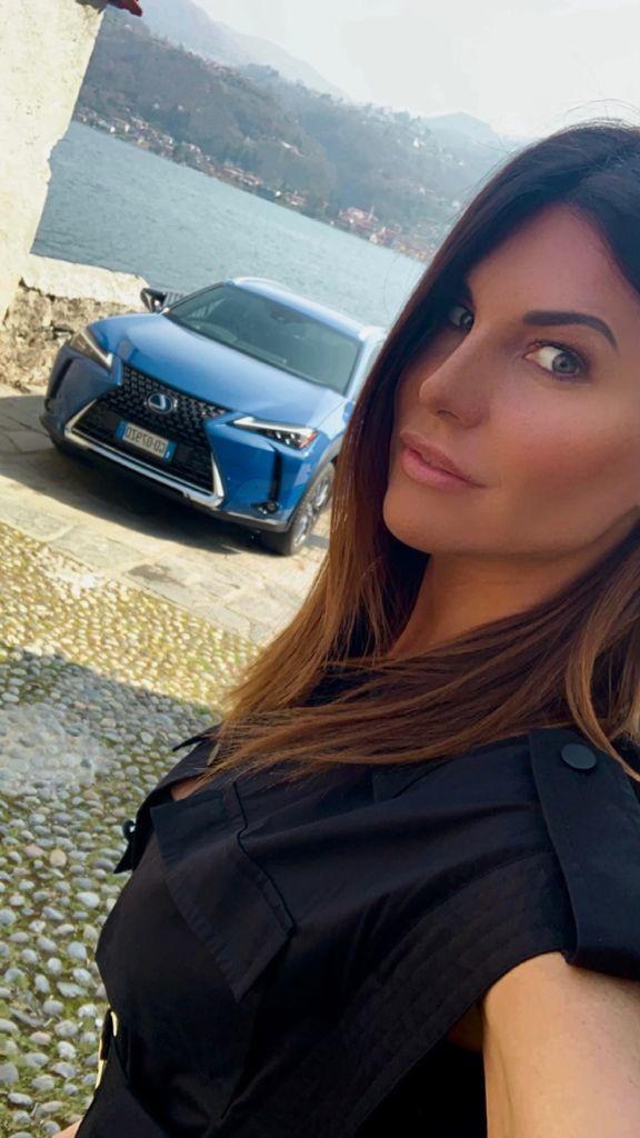 Debutto su Drive UP al volante della Lexus UX per Barbara Pedrotti: la nostra inviata ha guidato il suv sulle strade intorno al lago d&#39;Orta.<br /><br />