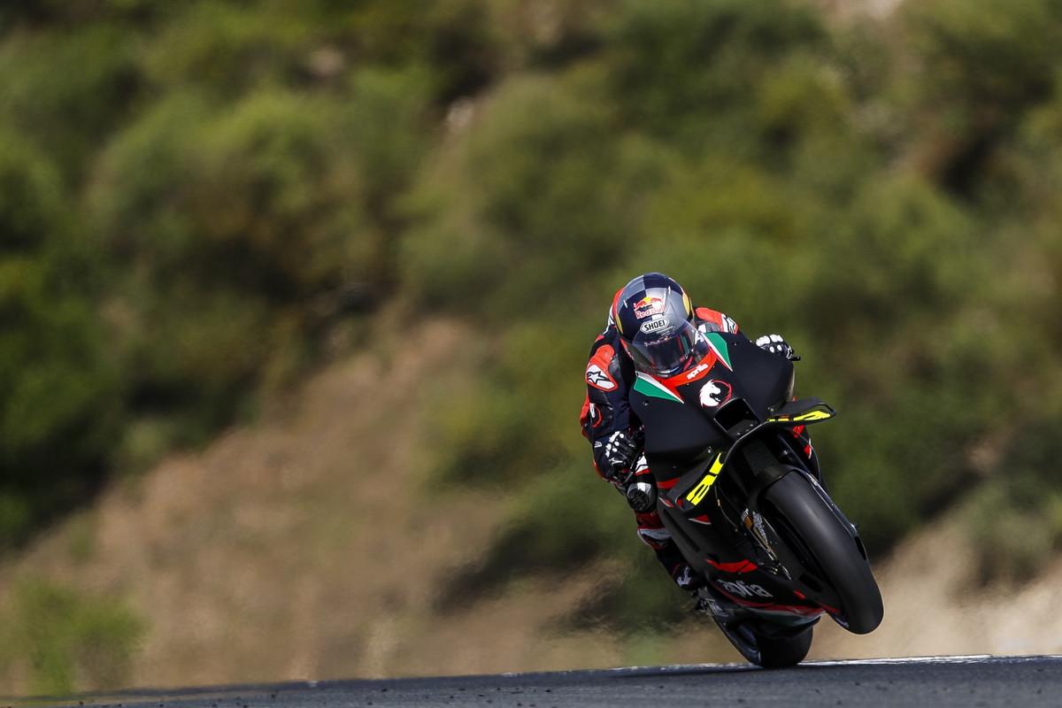 Andrea Dovizioso e l&#39;Aprilia hanno svolto una tre giorni di test a Jerez in vista di un possibile futuro insieme. (foto ufficio stampa Aprilia e MotoGP&nbsp;e Instagram Dovizioso)<br /><br />