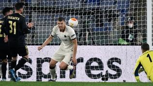 Dzeko replica a Brobbey, con l'Ajax basta il pari: Roma in semifinale