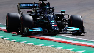 Hamilton, pole numero 99 a Imola