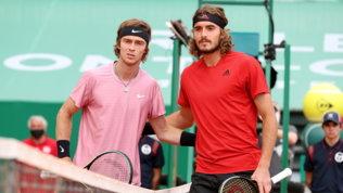 Tennis, finale Atp Montecarlo: la vittoria di Tsitsipas su Rublev